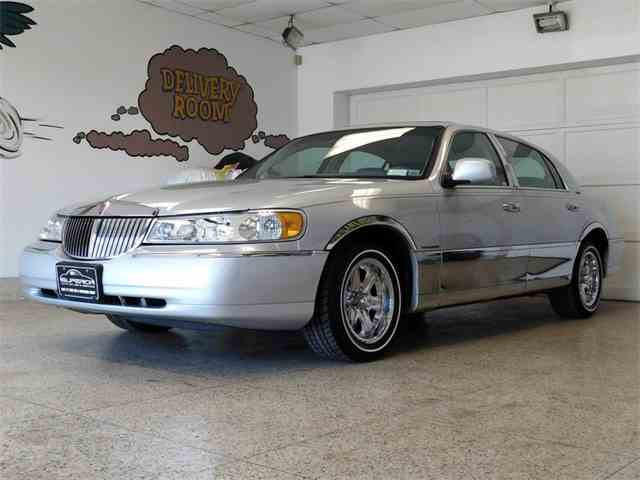 Picture of '98 Town Car - NRTQ
