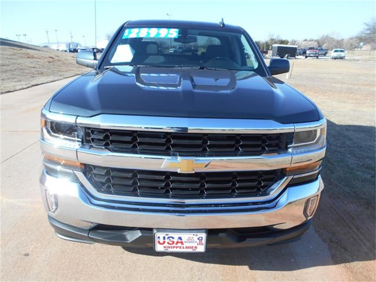 Large Picture of 2017 Chevrolet Silverado located in Blanchard Oklahoma Offered by Knippelmier Classics - NTJ2