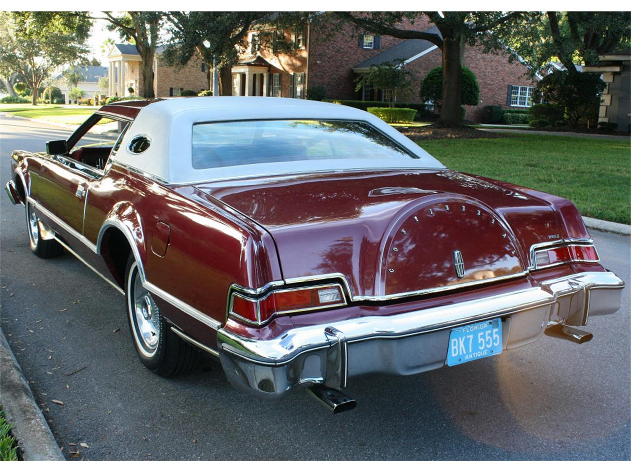 Large Picture of '76 Continental Mark IV - NU87