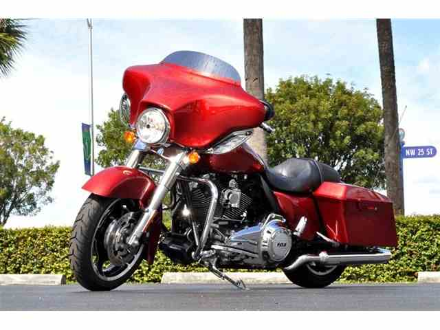 Picture of '12 Street Glide - NUEV
