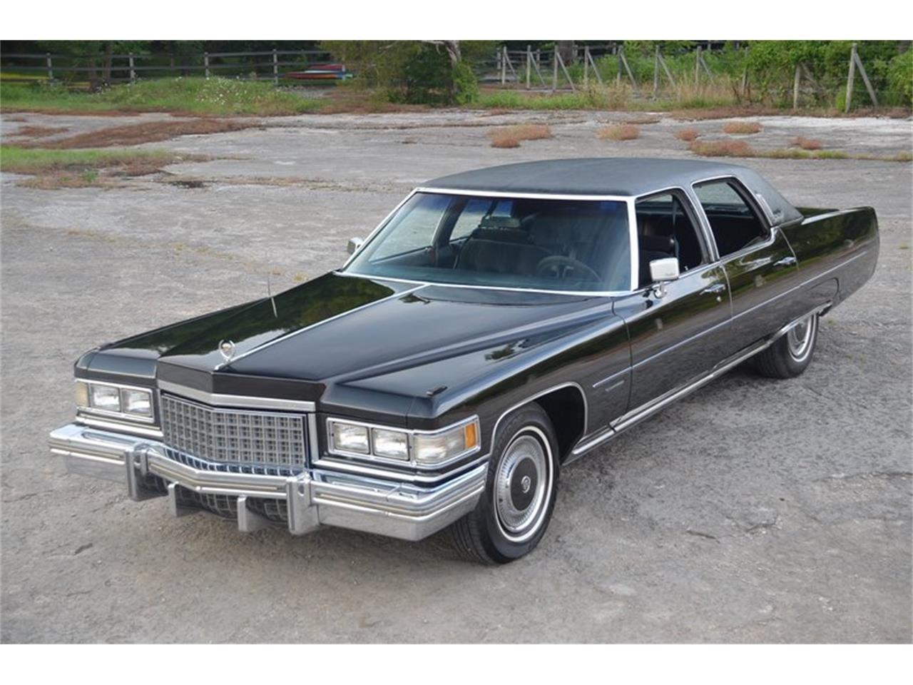 Large Picture of 1976 Brougham Offered by Frazier Motor Car Company - NUFI
