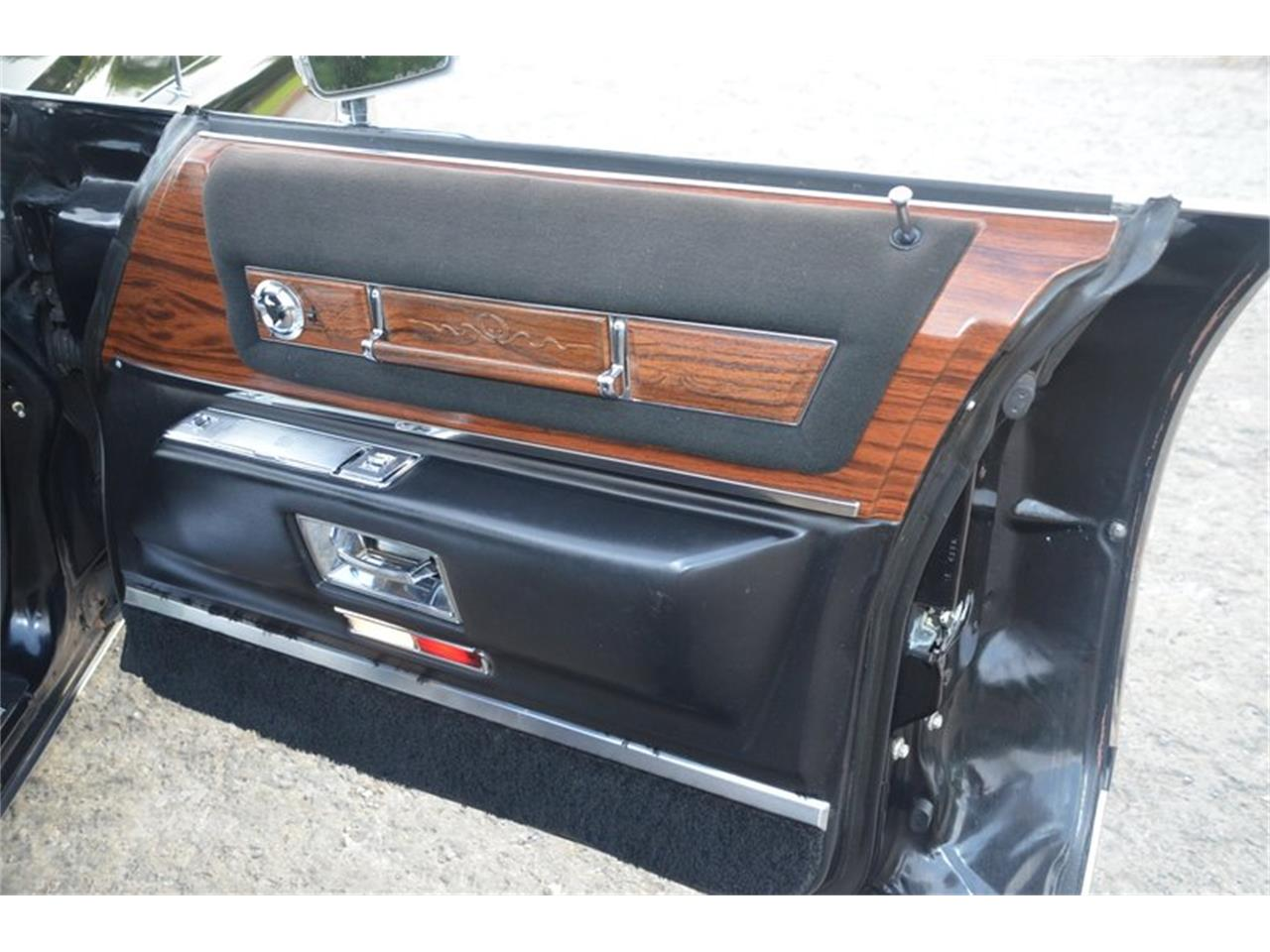 Large Picture of '76 Cadillac Brougham located in Tennessee Offered by Frazier Motor Car Company - NUFI