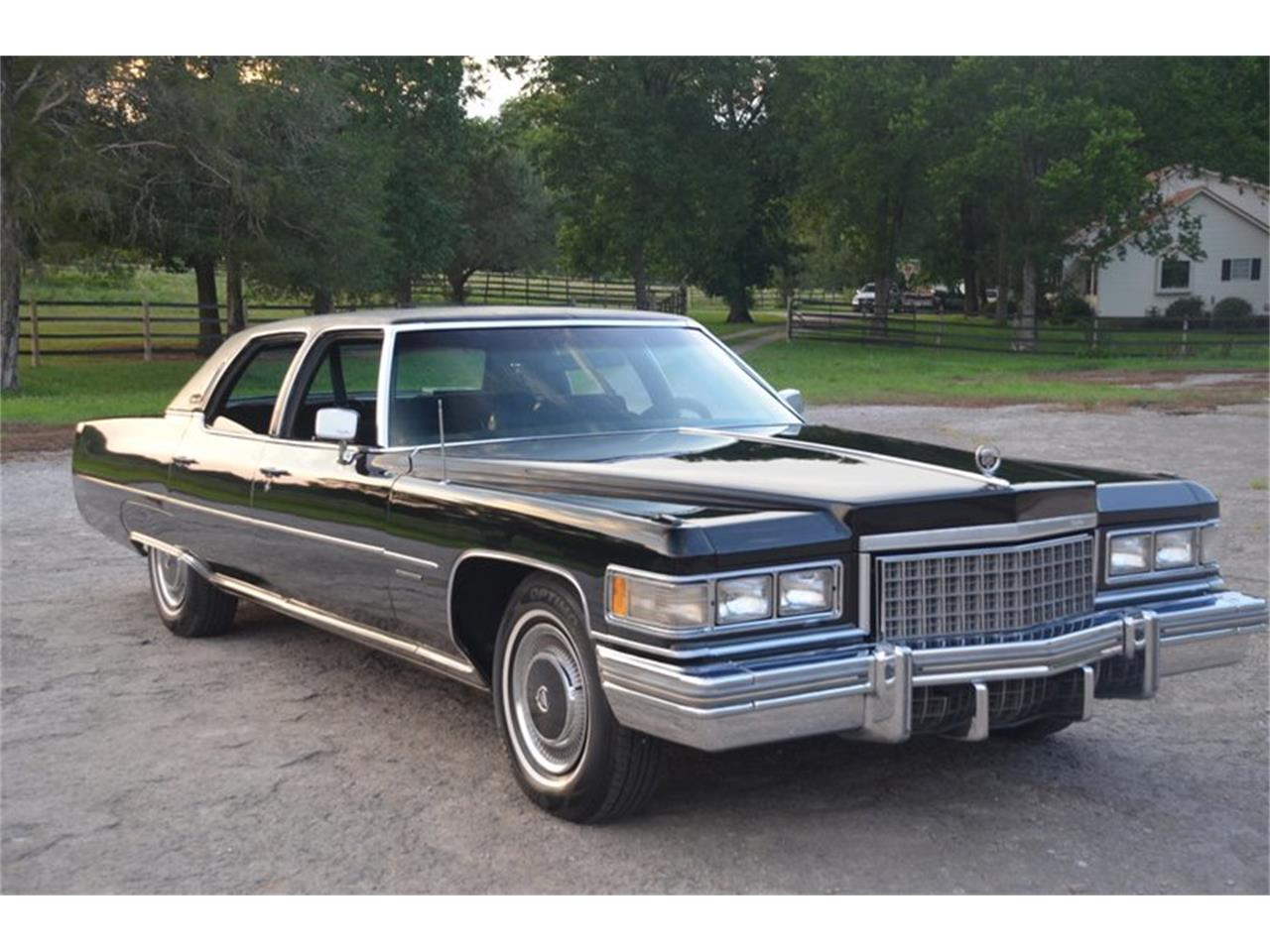 Large Picture of '76 Cadillac Brougham located in Lebanon Tennessee - NUFI
