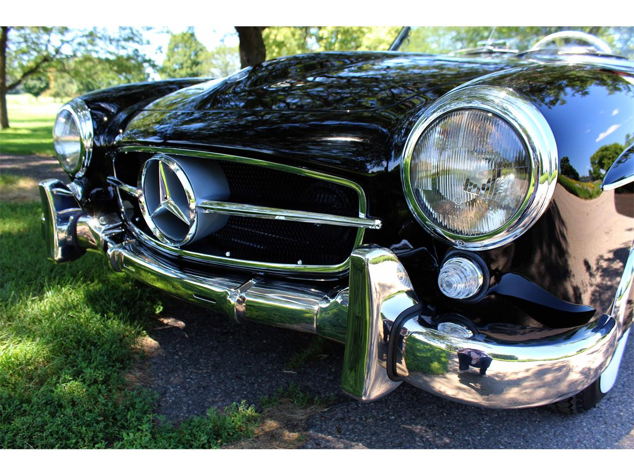 Large Picture of Classic 1960 Mercedes-Benz 190SL located in Minnesota Offered by Jaguar Land Rover Minneapolis - NULS