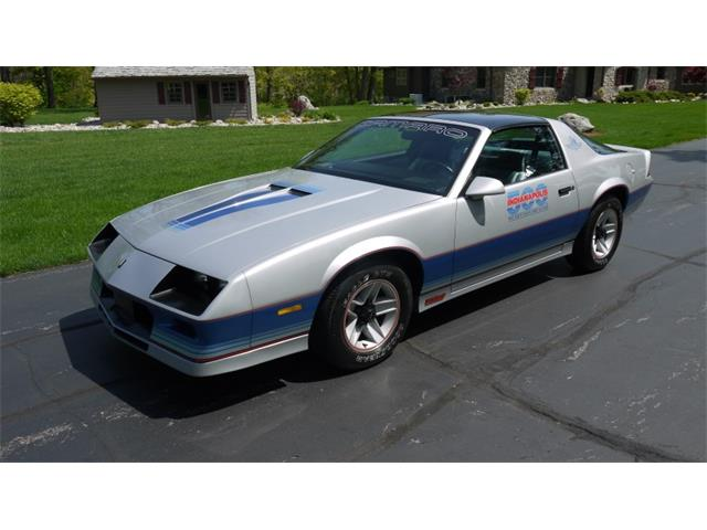 Picture of '82 Camaro IROC Z28 - NUOW