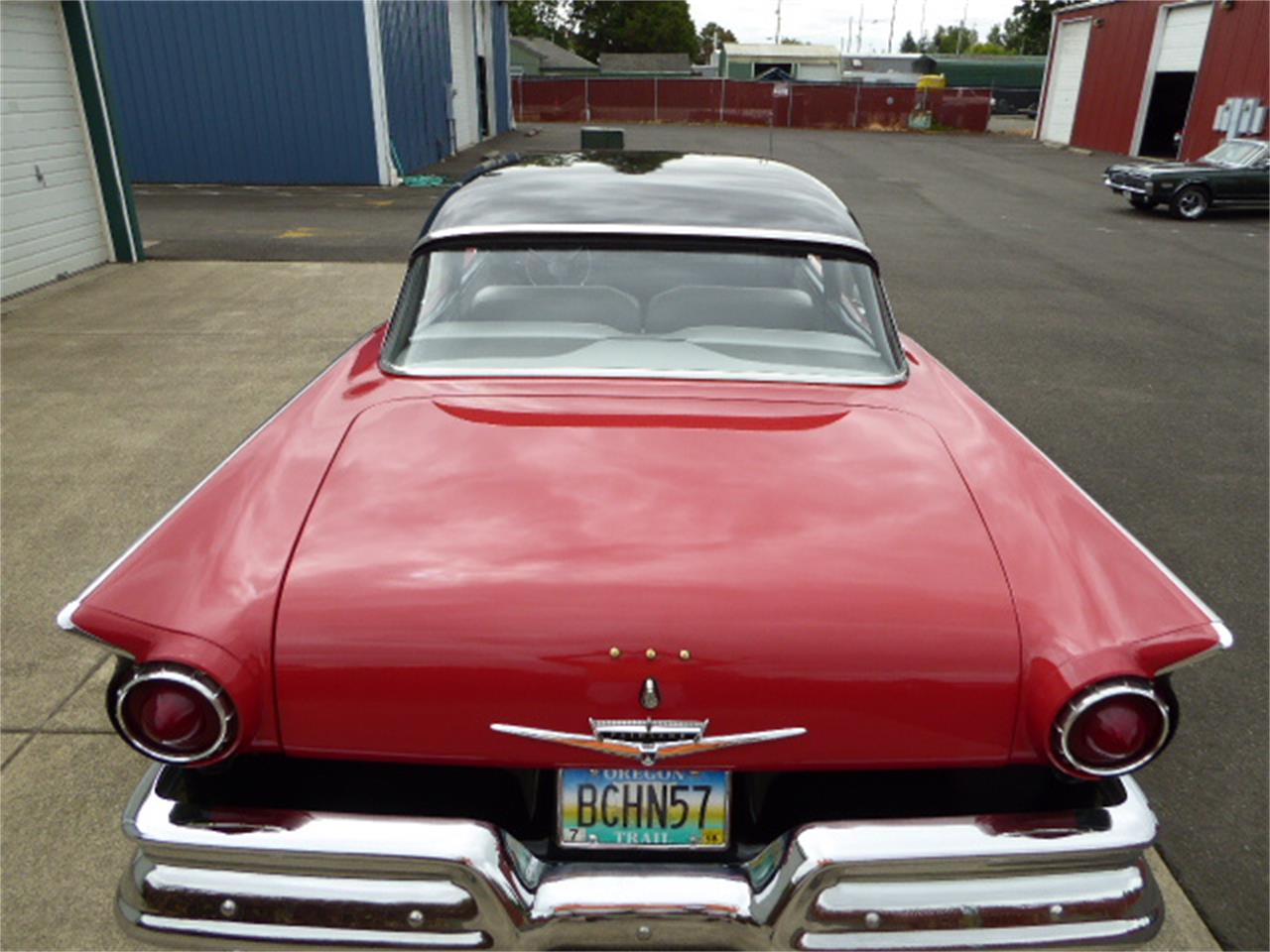 Large Picture of '57 Fairlane 500 located in Turner Oregon - NUQP