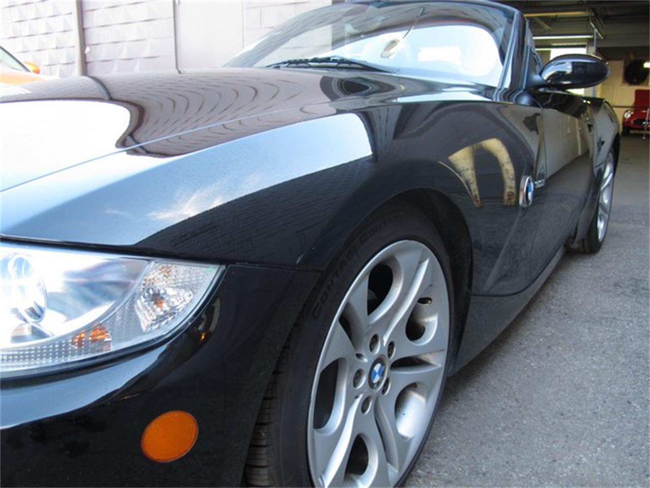 Large Picture of '05 Z4 located in Michigan - $9,950.00 Offered by Classic Auto Showplace - NUY8