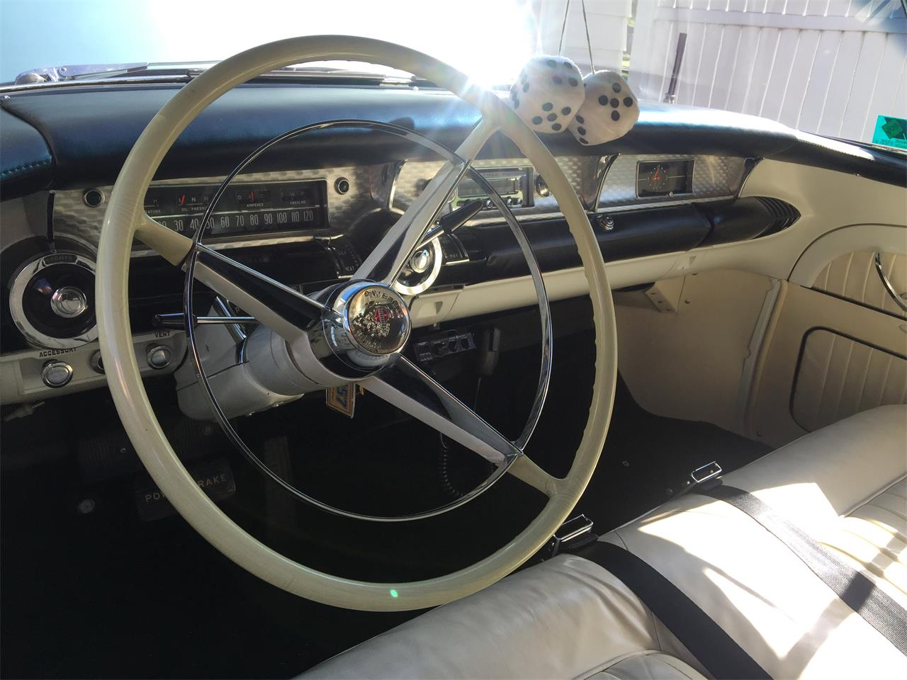 Large Picture of '57 Roadmaster - NV1Z