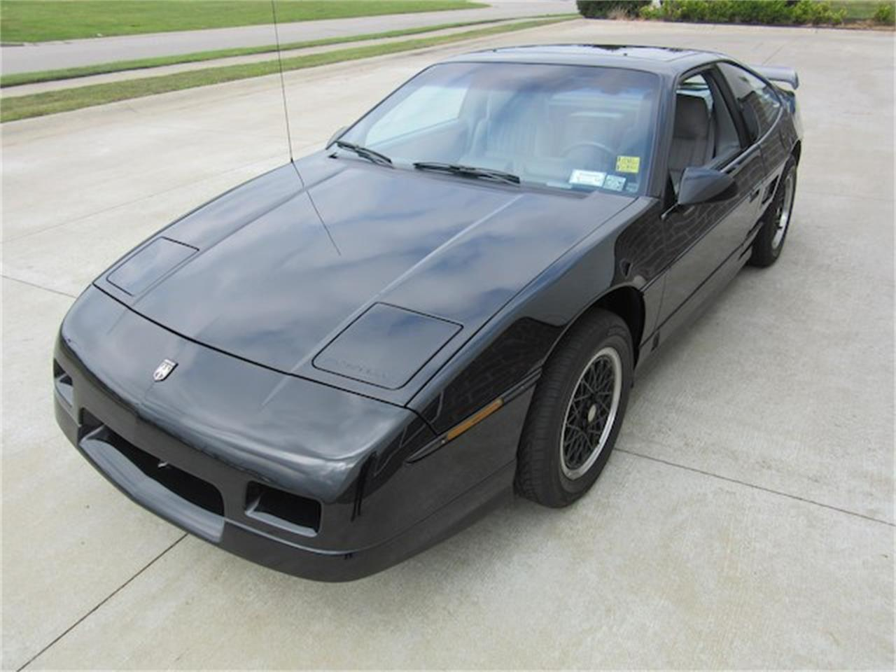 Large Picture of 1988 Pontiac Fiero - $15,900.00 Offered by Ray Skillman Classic Cars - NVQQ