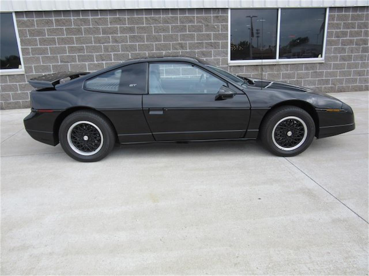 Large Picture of 1988 Pontiac Fiero located in Indiana - NVQQ
