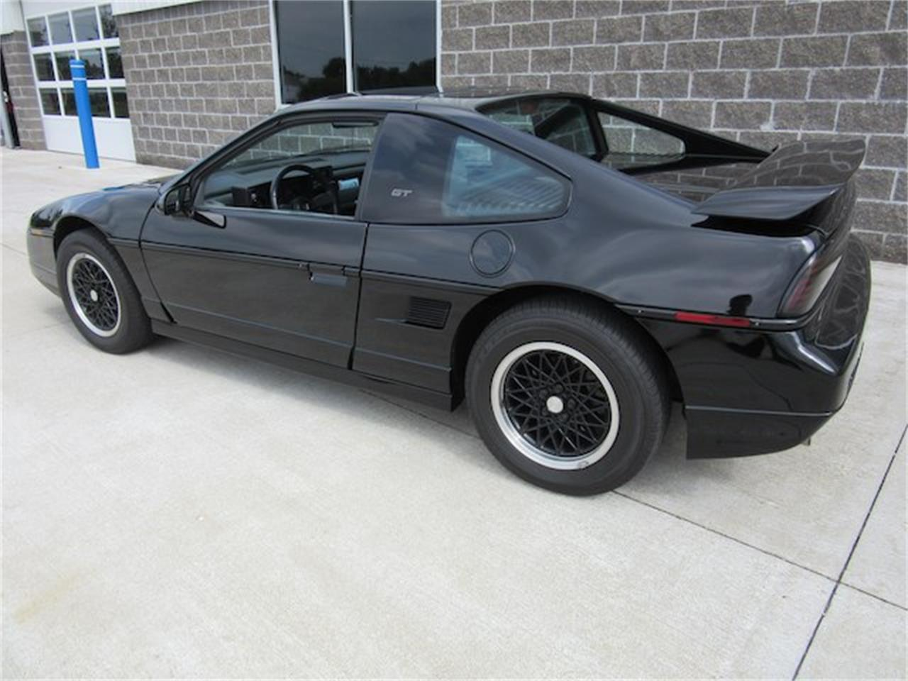 Large Picture of 1988 Pontiac Fiero Offered by Ray Skillman Classic Cars - NVQQ