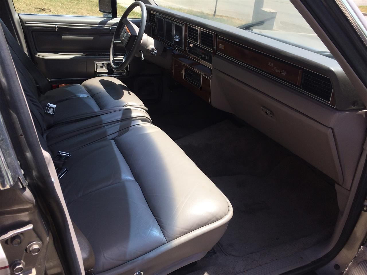 Large Picture of '89 Town Car - NW2T