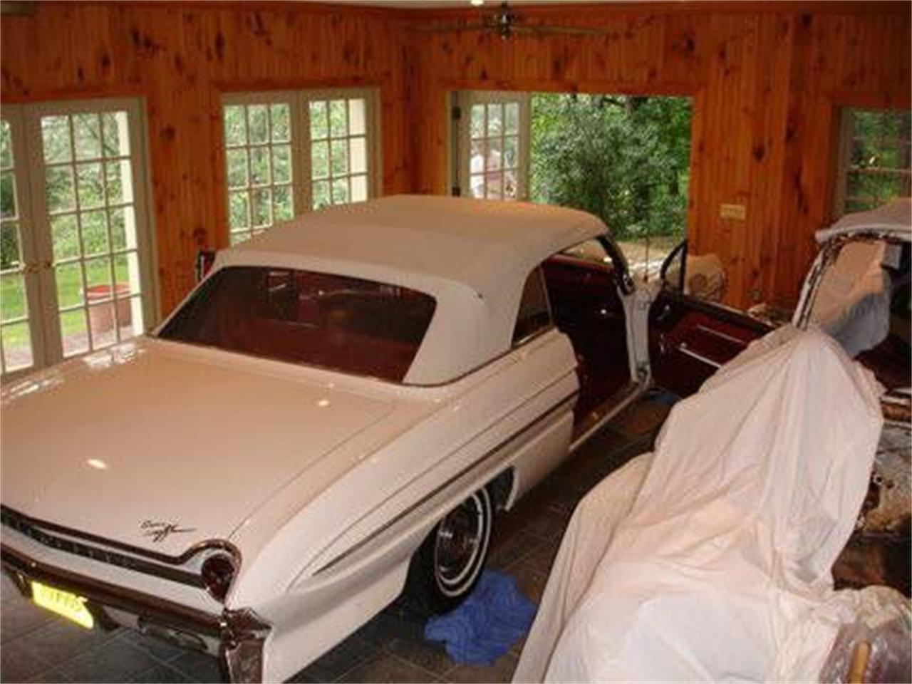 Large Picture of 1961 88 located in Michigan - $50,995.00 Offered by Classic Car Deals - NX2F