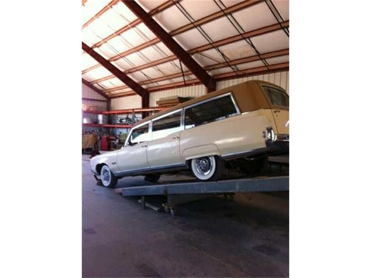 Large Picture of '69 Hearse - NY09