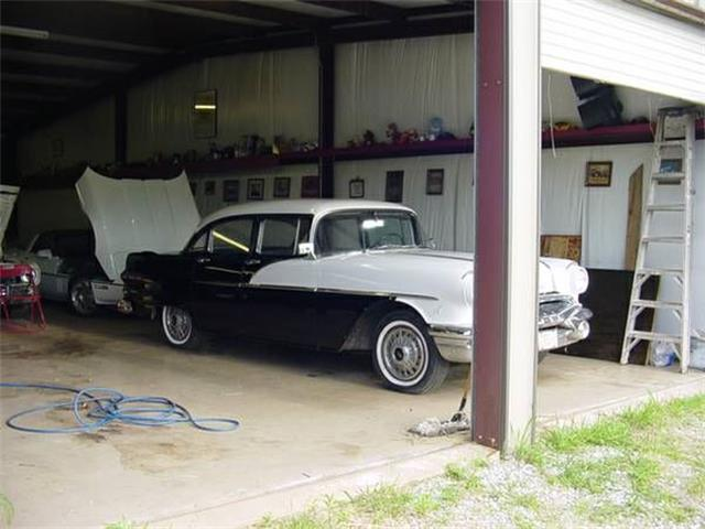 Picture of Classic '56 Pontiac Chieftain located in Michigan - $13,995.00 - NYA6