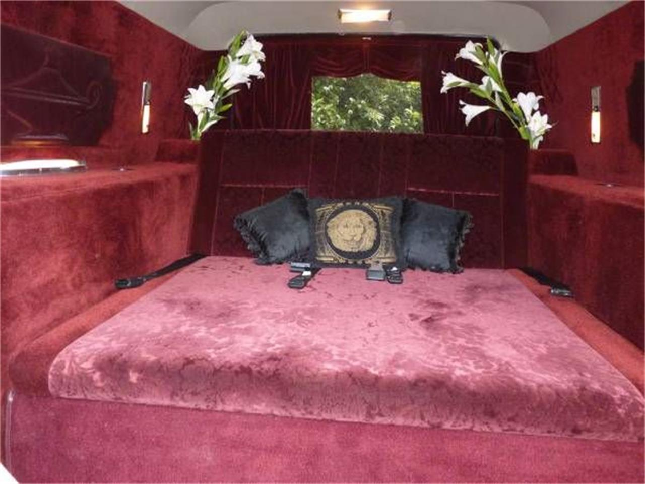 Large Picture of '75 Hearse - NYLO