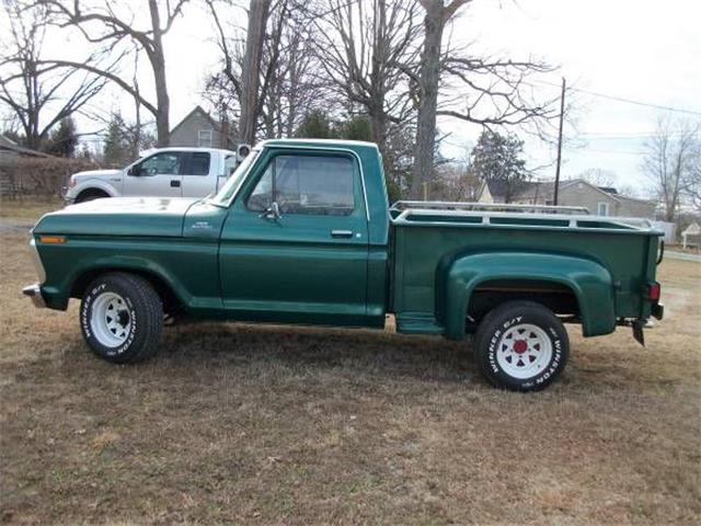 Picture of 1977 Ford Custom located in Michigan - $9,995.00 Offered by  - NYXE