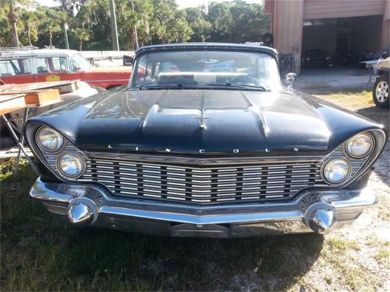 Large Picture of Classic 1960 Lincoln Premiere located in Michigan Offered by Classic Car Deals - NZAT