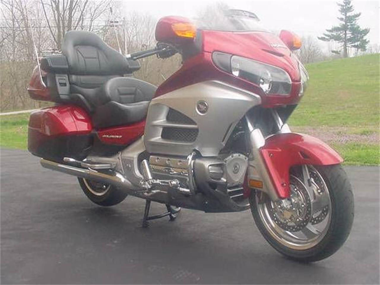 Large Picture of '12 Goldwing - O03C
