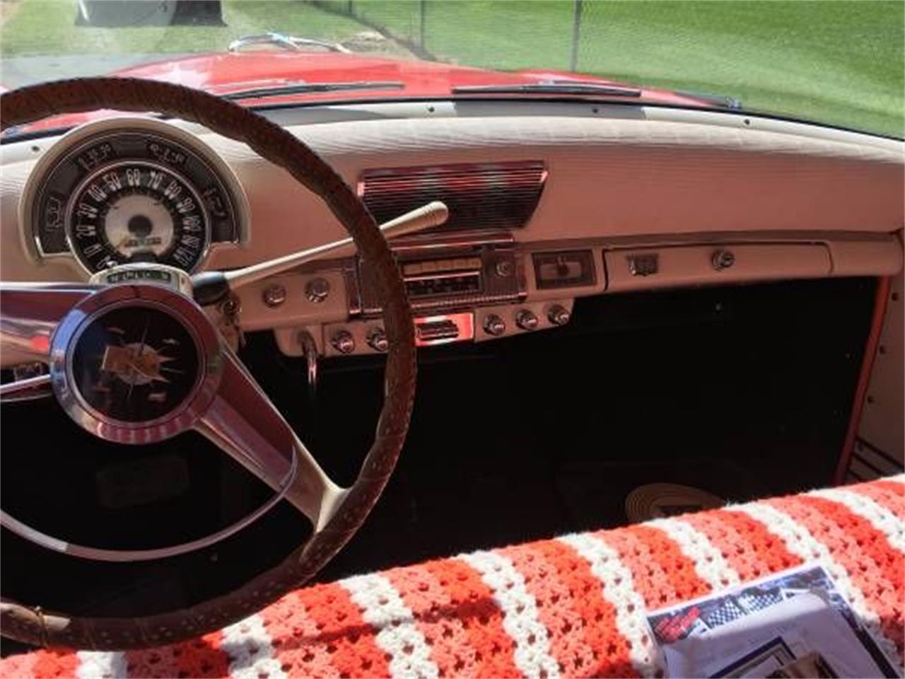 Large Picture of Classic '53 Kaiser Manhattan - O18D