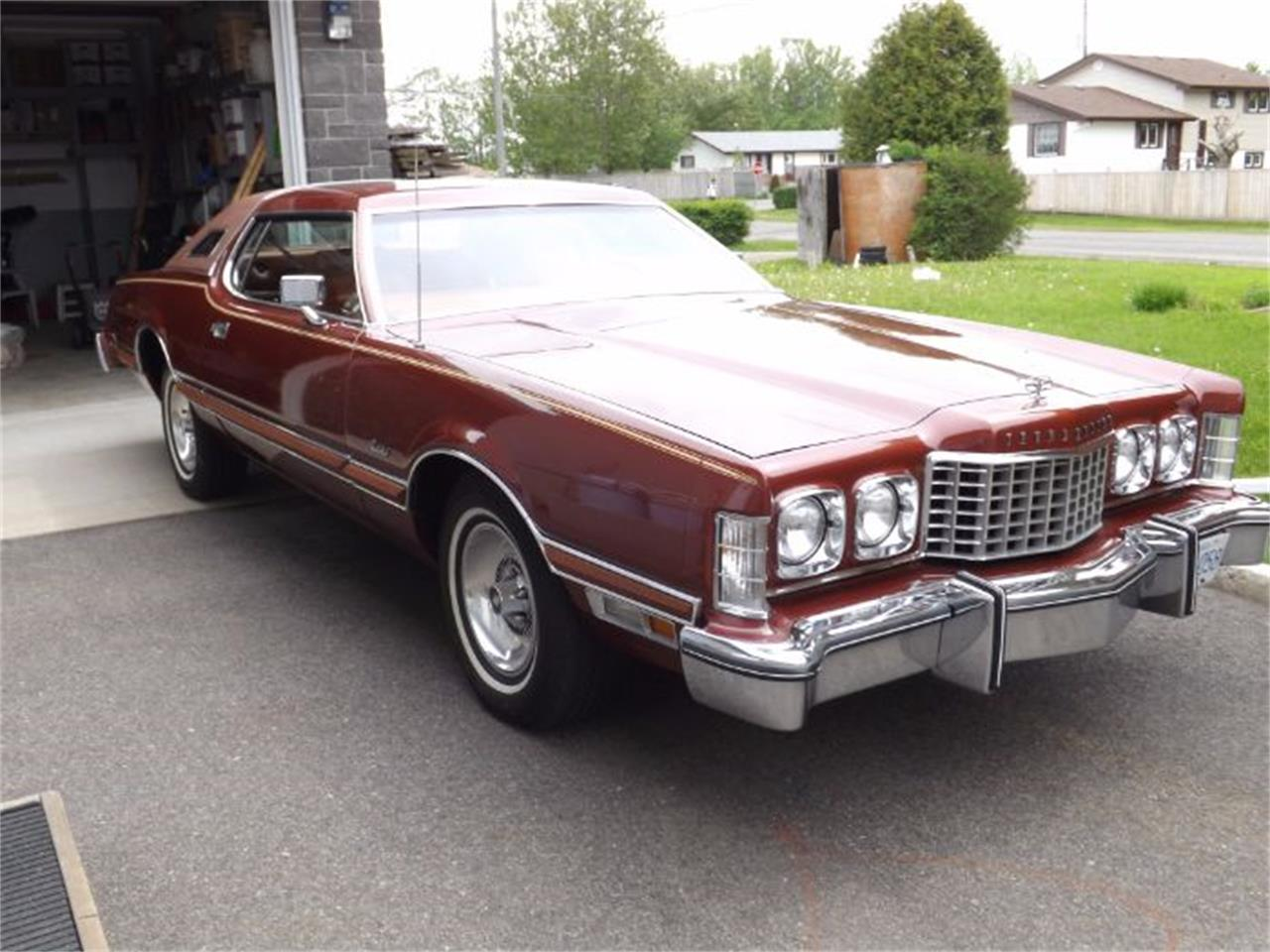Large Picture of '75 Thunderbird - O1E5