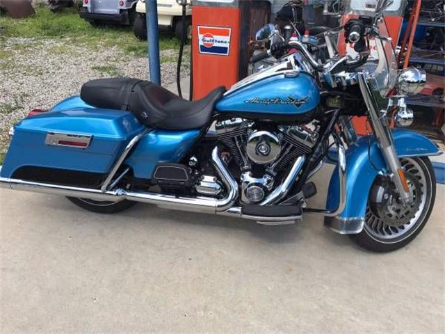 Picture of '11 Harley-Davidson Road King located in Michigan - $10,995.00 Offered by  - O2CC
