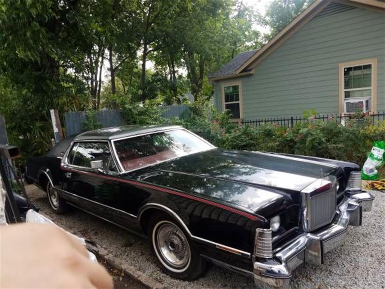 Large Picture of '76 Continental - O083