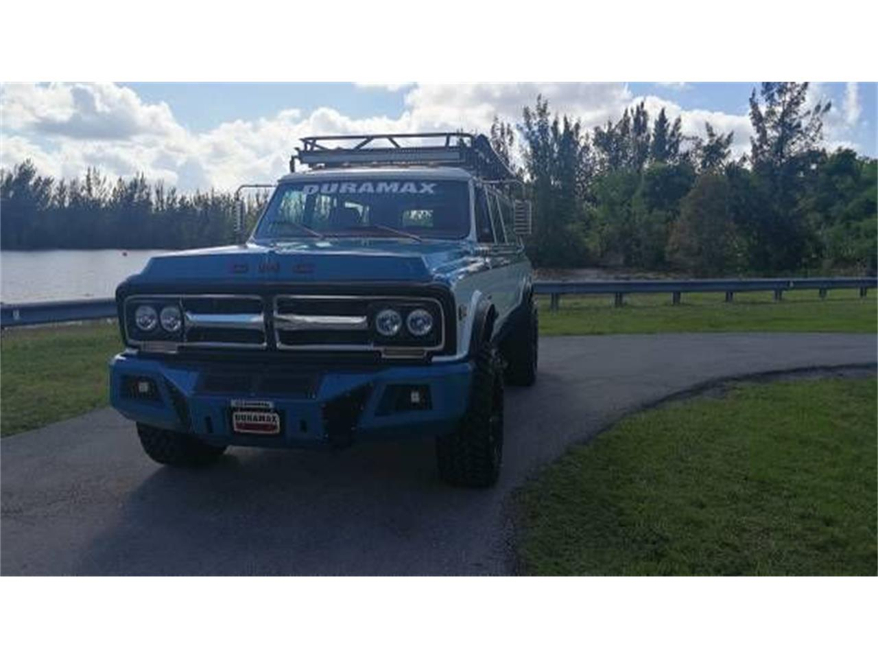 Large Picture of Classic '72 GMC Suburban Offered by Classic Car Deals - O2Y7