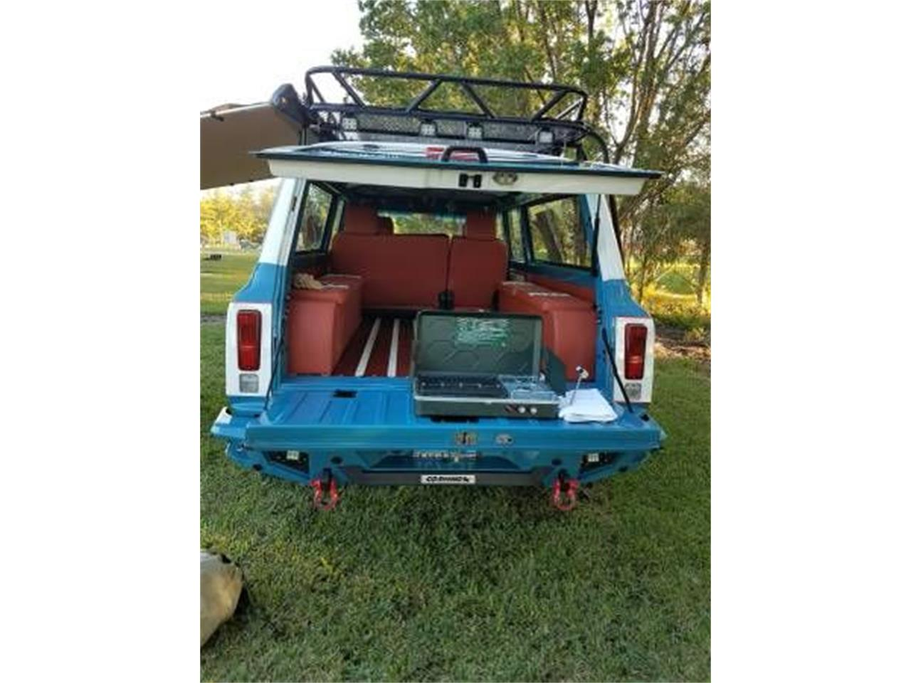 Large Picture of '72 Suburban - $57,995.00 Offered by Classic Car Deals - O2Y7