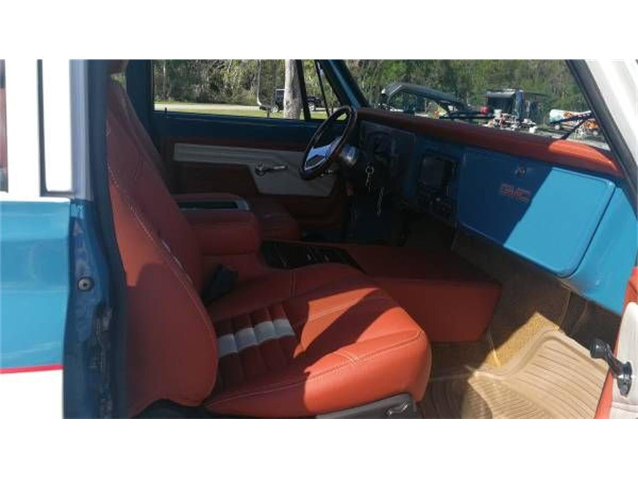 Large Picture of 1972 GMC Suburban located in Michigan - $57,995.00 - O2Y7