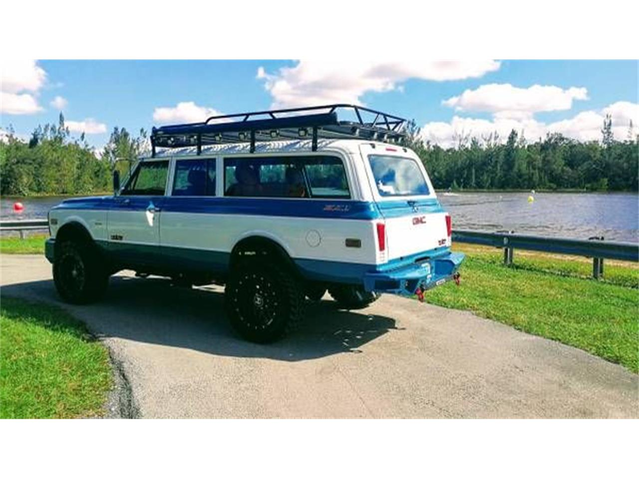 Large Picture of Classic 1972 Suburban - $57,995.00 Offered by Classic Car Deals - O2Y7