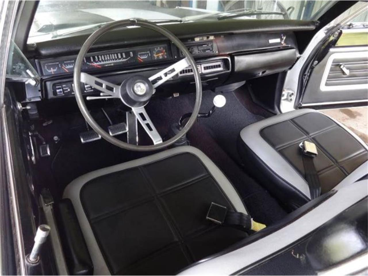 Large Picture of 1969 Road Runner Offered by Classic Car Deals - O31I