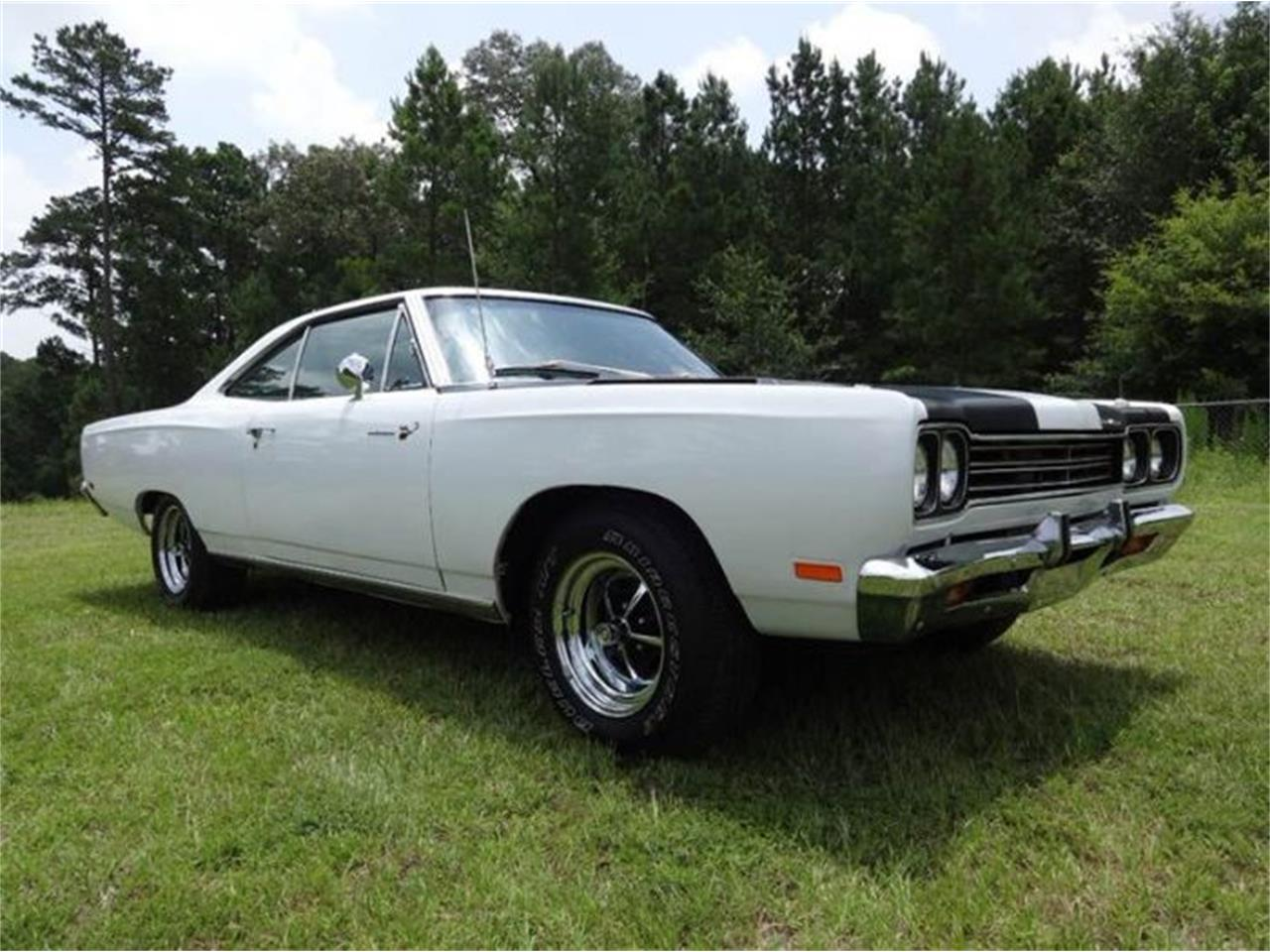 Large Picture of Classic 1969 Plymouth Road Runner - O31I