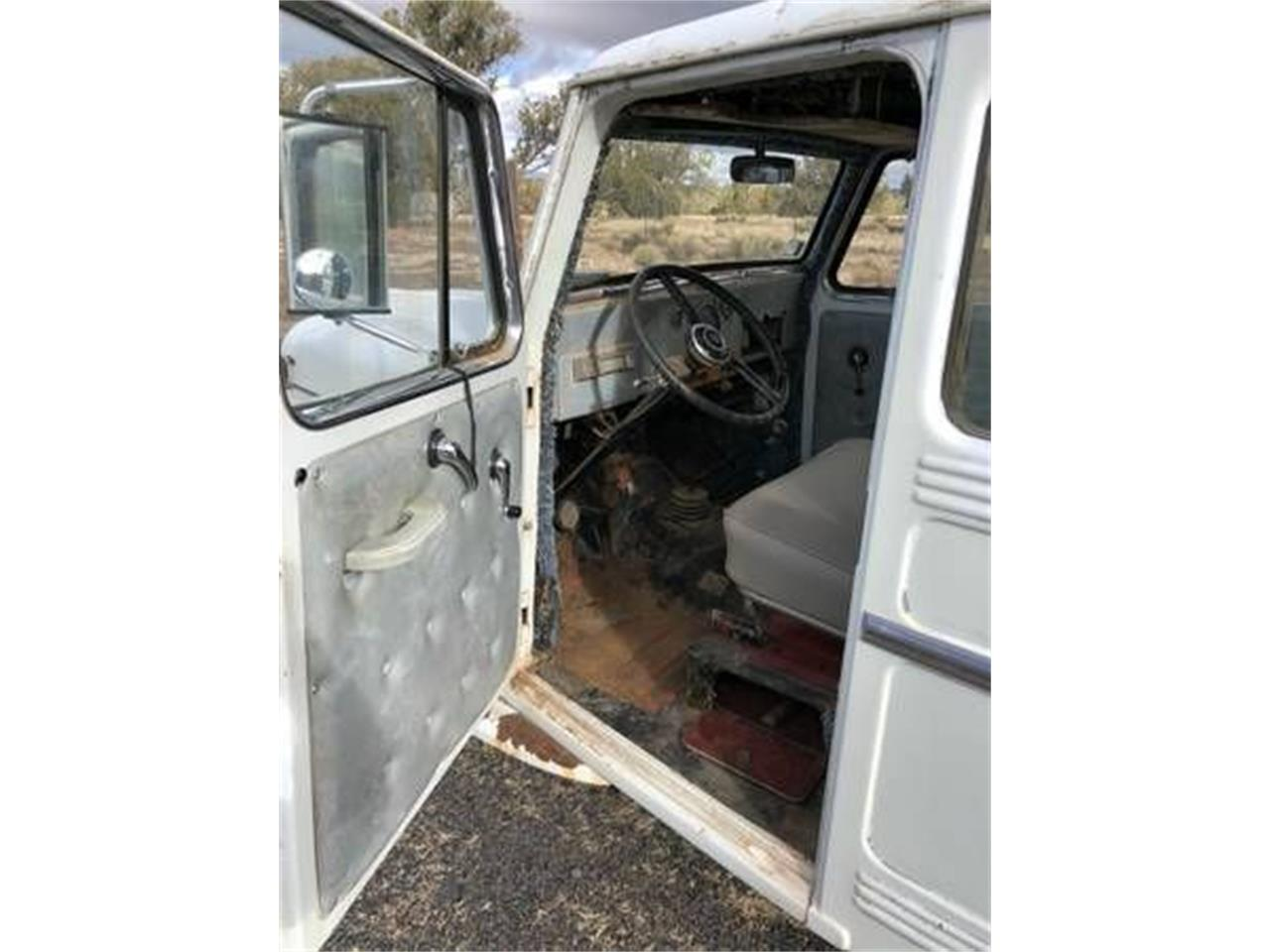Large Picture of '62 Willys - O3NP