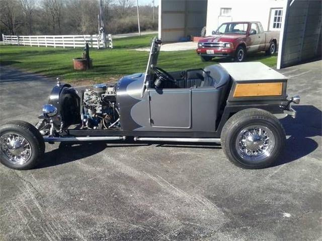 Picture of Classic '30 Ford Roadster located in Cadillac Michigan - O4D2