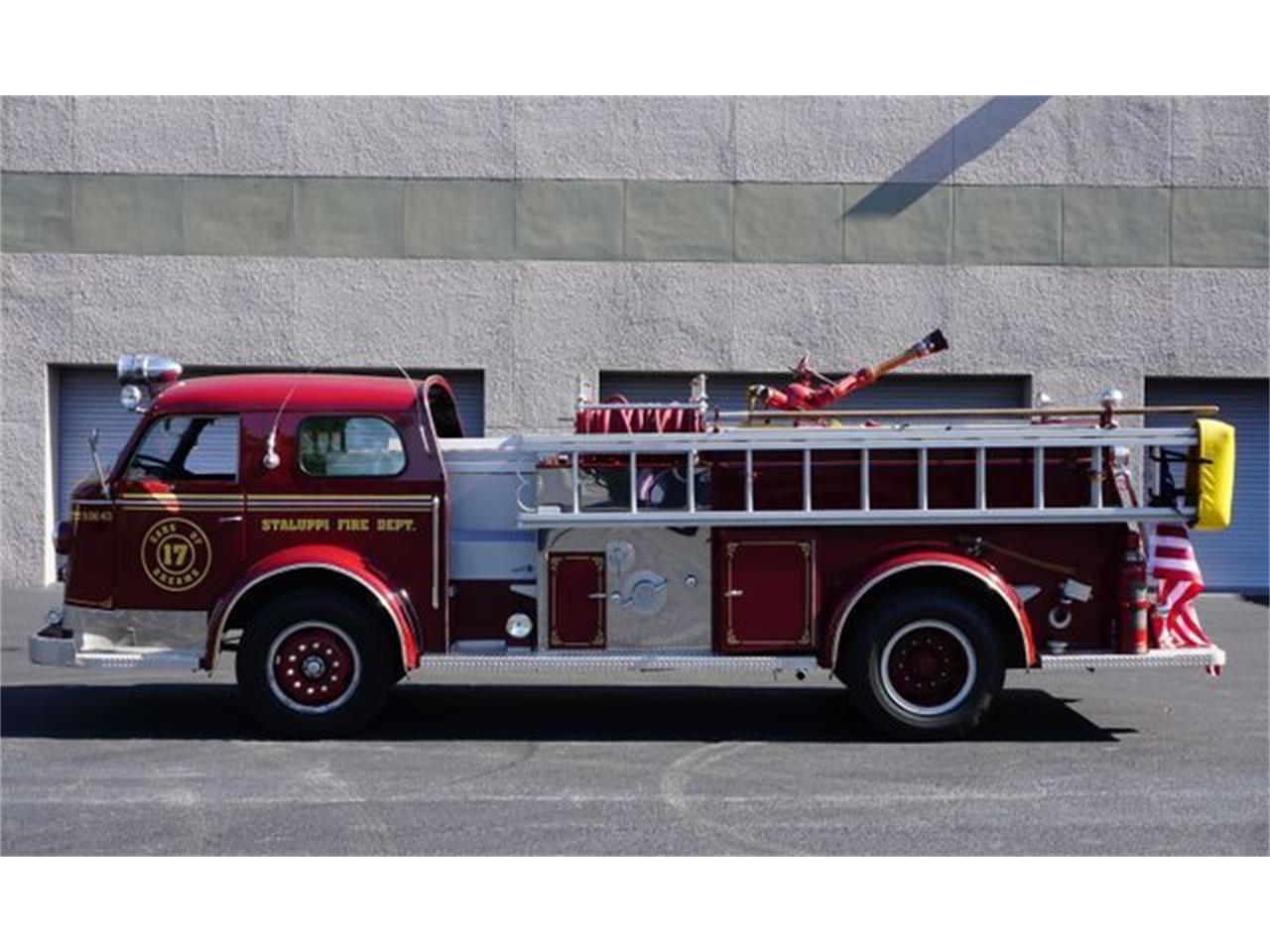 Large Picture of '53 Fire Engine - O4GG
