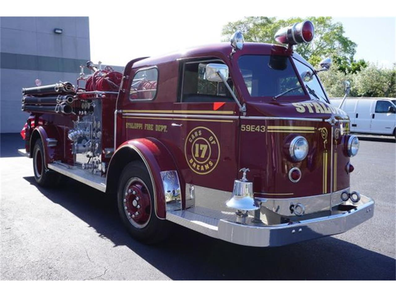 Large Picture of Classic 1953 American LaFrance Fire Engine - O4GG