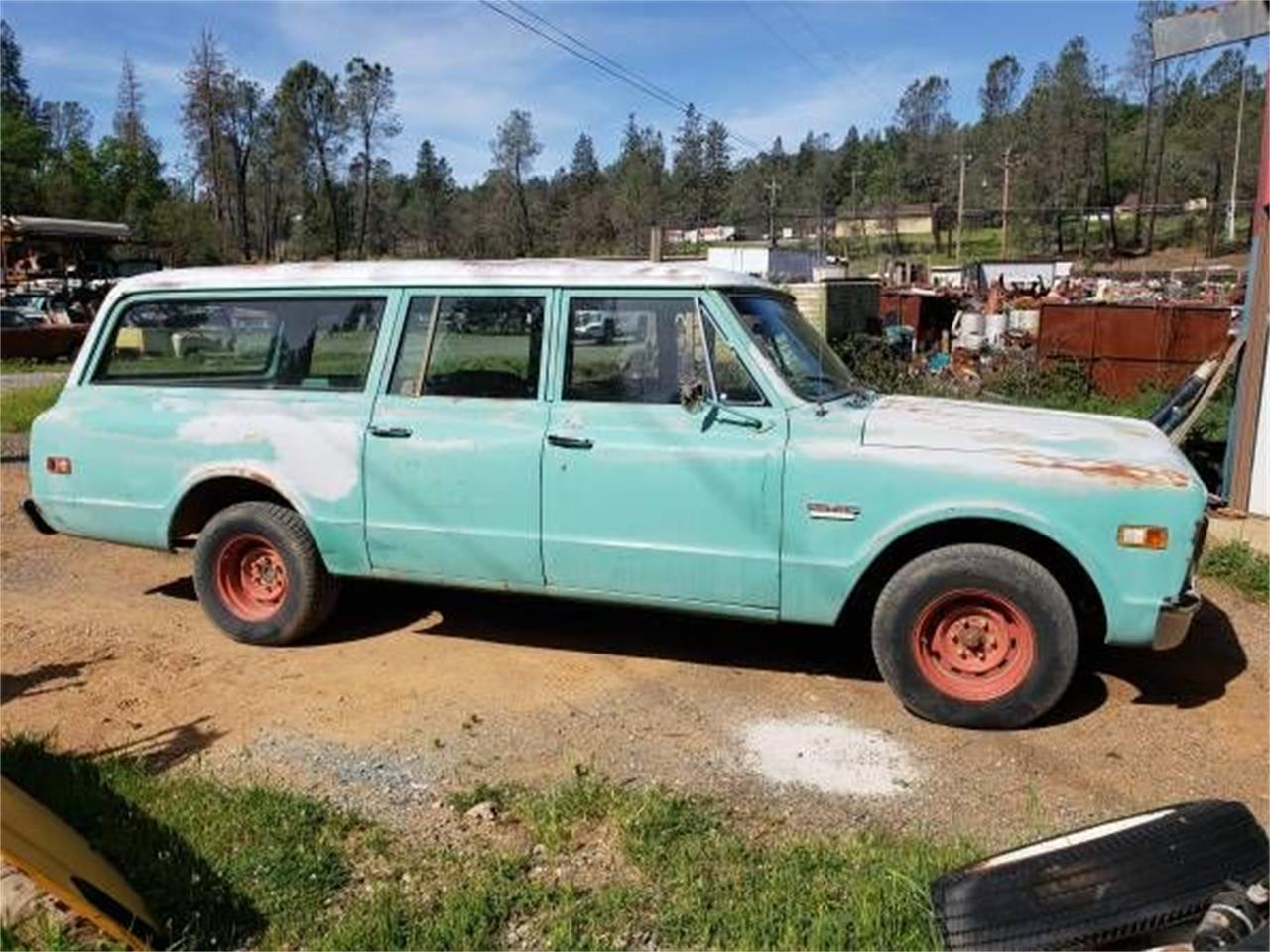 Large Picture of '69 Suburban - O4PI