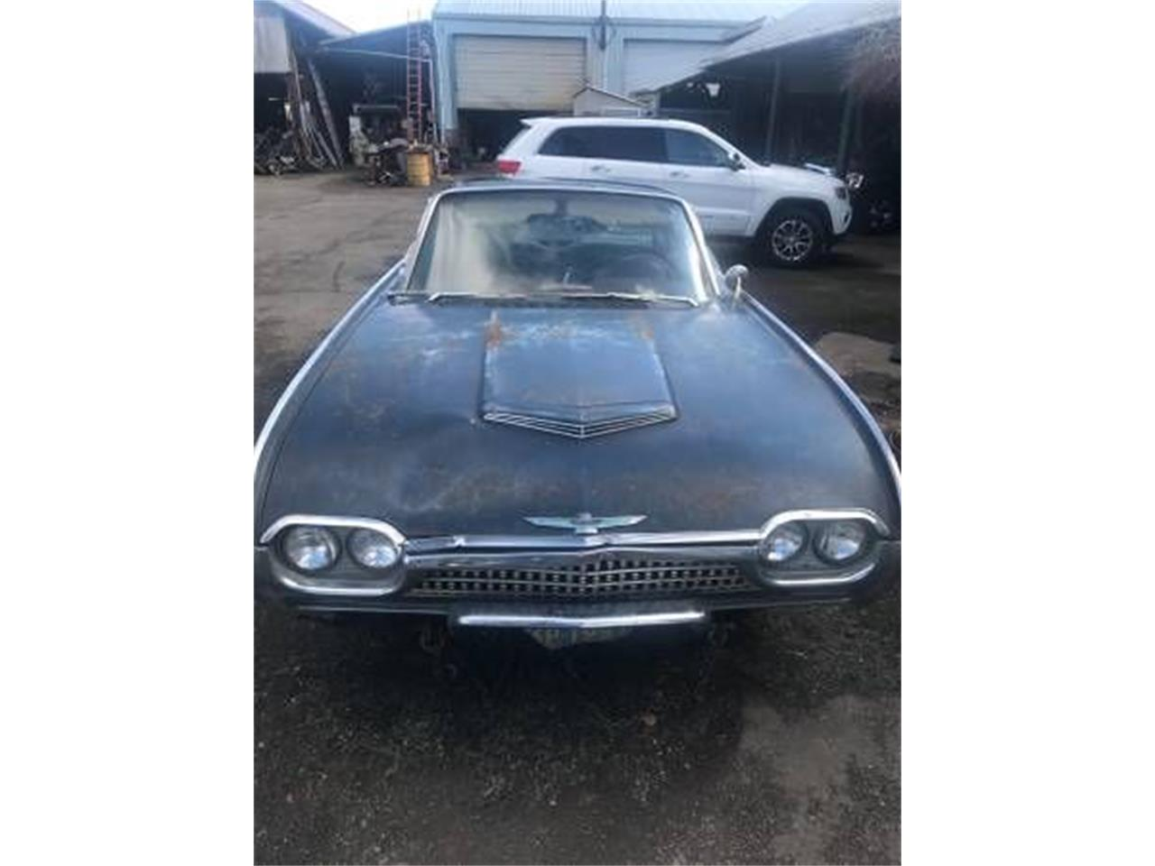 Large Picture of '62 Thunderbird - O4YV