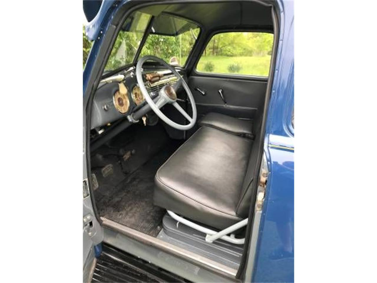 Large Picture of '49 Suburban - O5A5