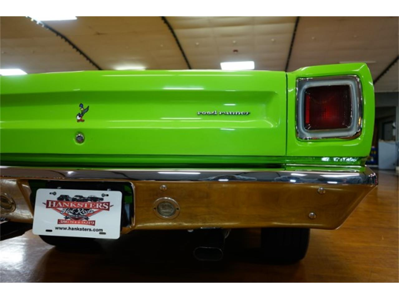 Large Picture of '69 Road Runner - O66U
