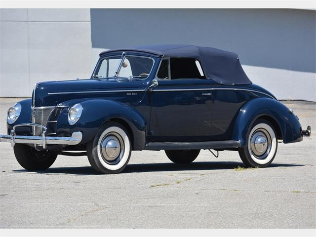 Picture of '40 Deluxe Convertible Coupe - O6F0