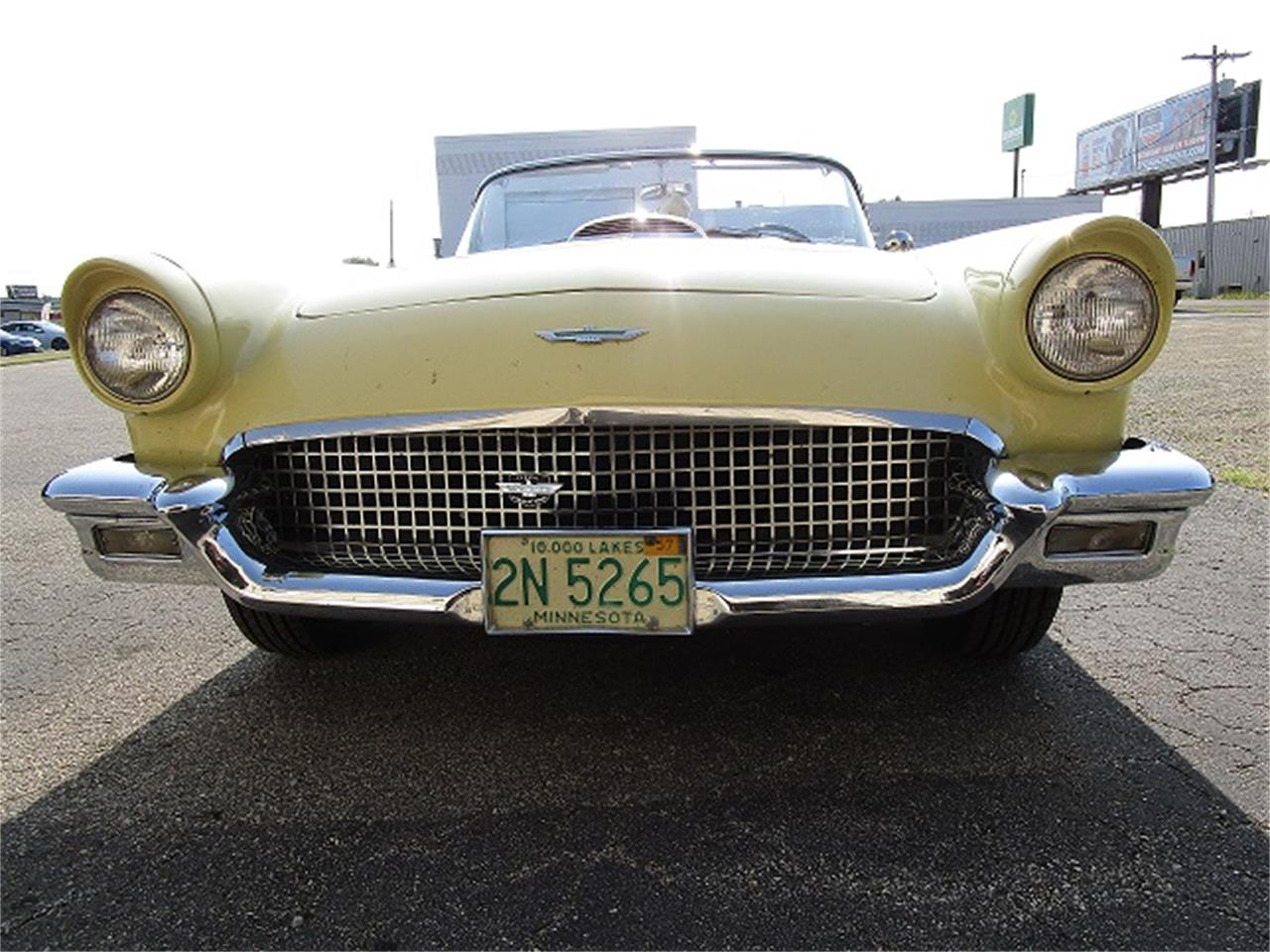 Large Picture of '57 Thunderbird - O6R1
