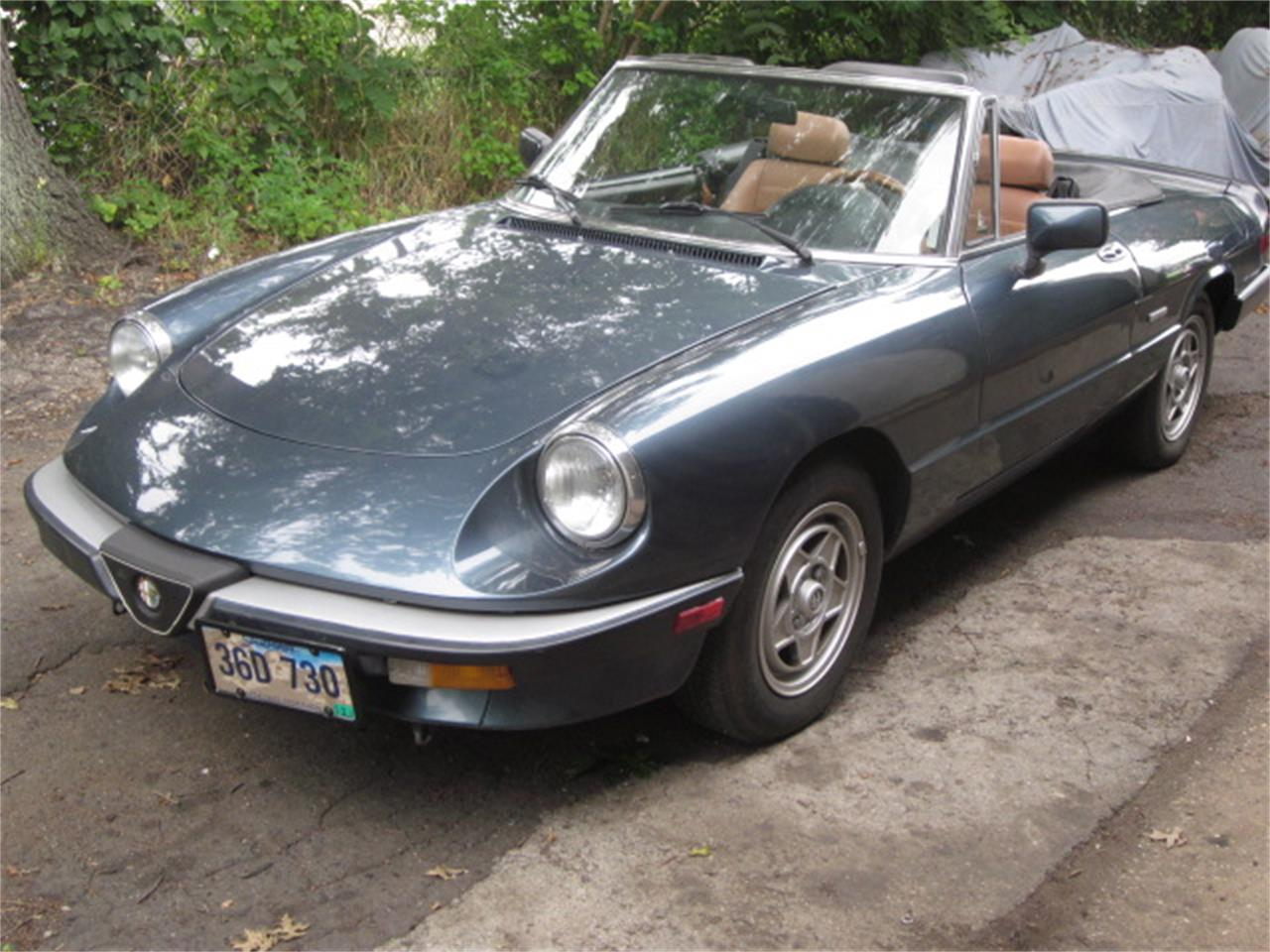 Large Picture of '87 Alfa Romeo 2000 Spider Veloce Offered by The New England Classic Car Co. - O72H