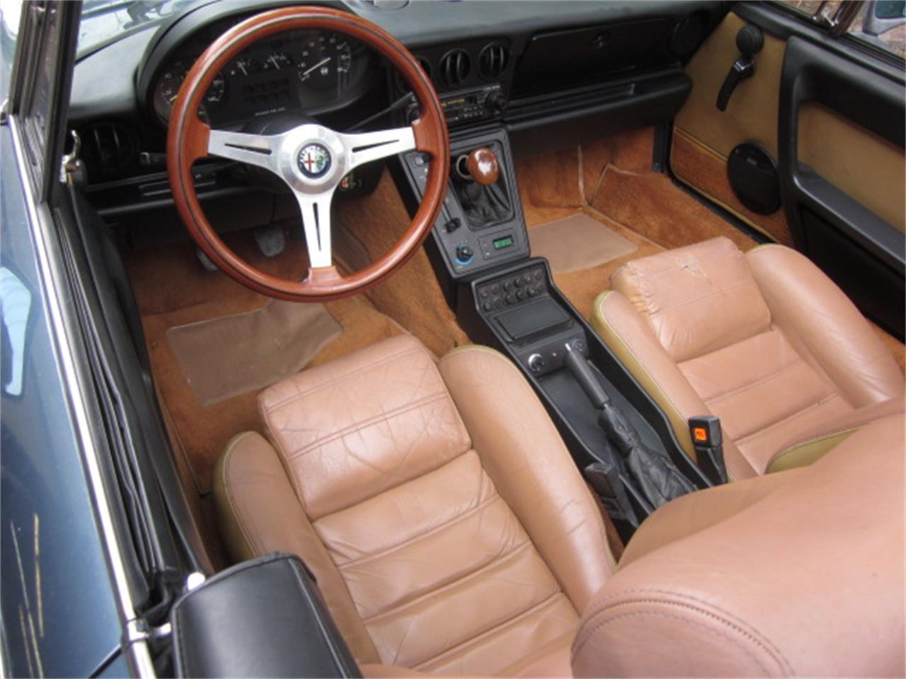 Large Picture of '87 Alfa Romeo 2000 Spider Veloce - O72H