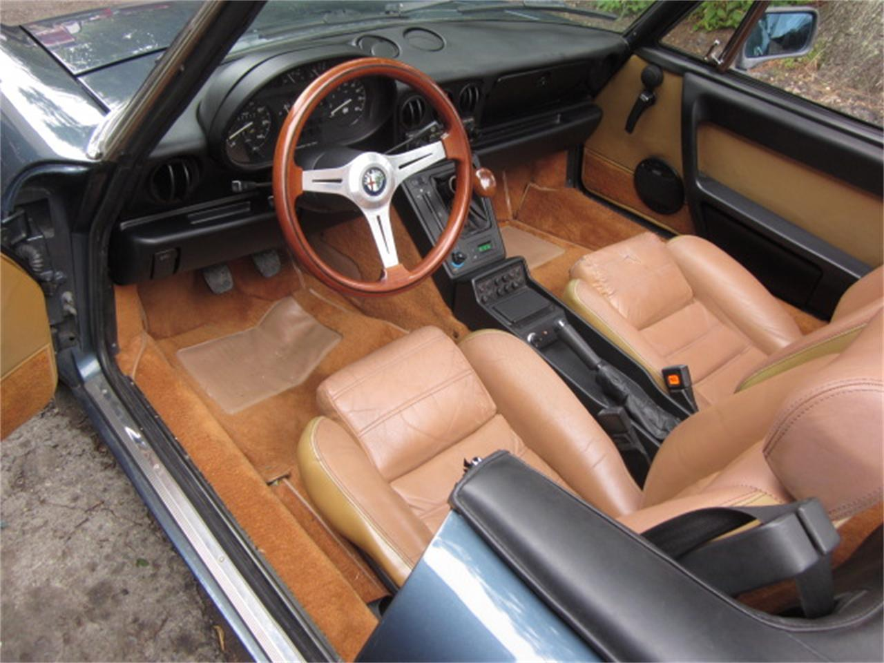 Large Picture of 1987 Alfa Romeo 2000 Spider Veloce located in Stratford Connecticut - $14,900.00 Offered by The New England Classic Car Co. - O72H