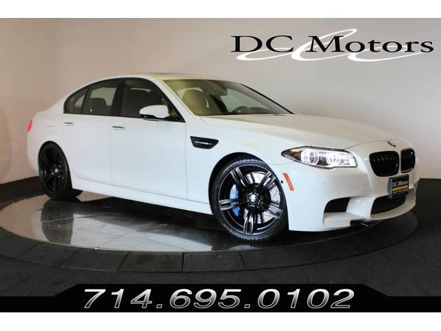 Picture of 2015 M5 located in Anaheim California - O75E