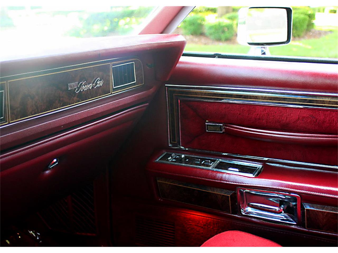 Large Picture of '79 Town Car - O77J