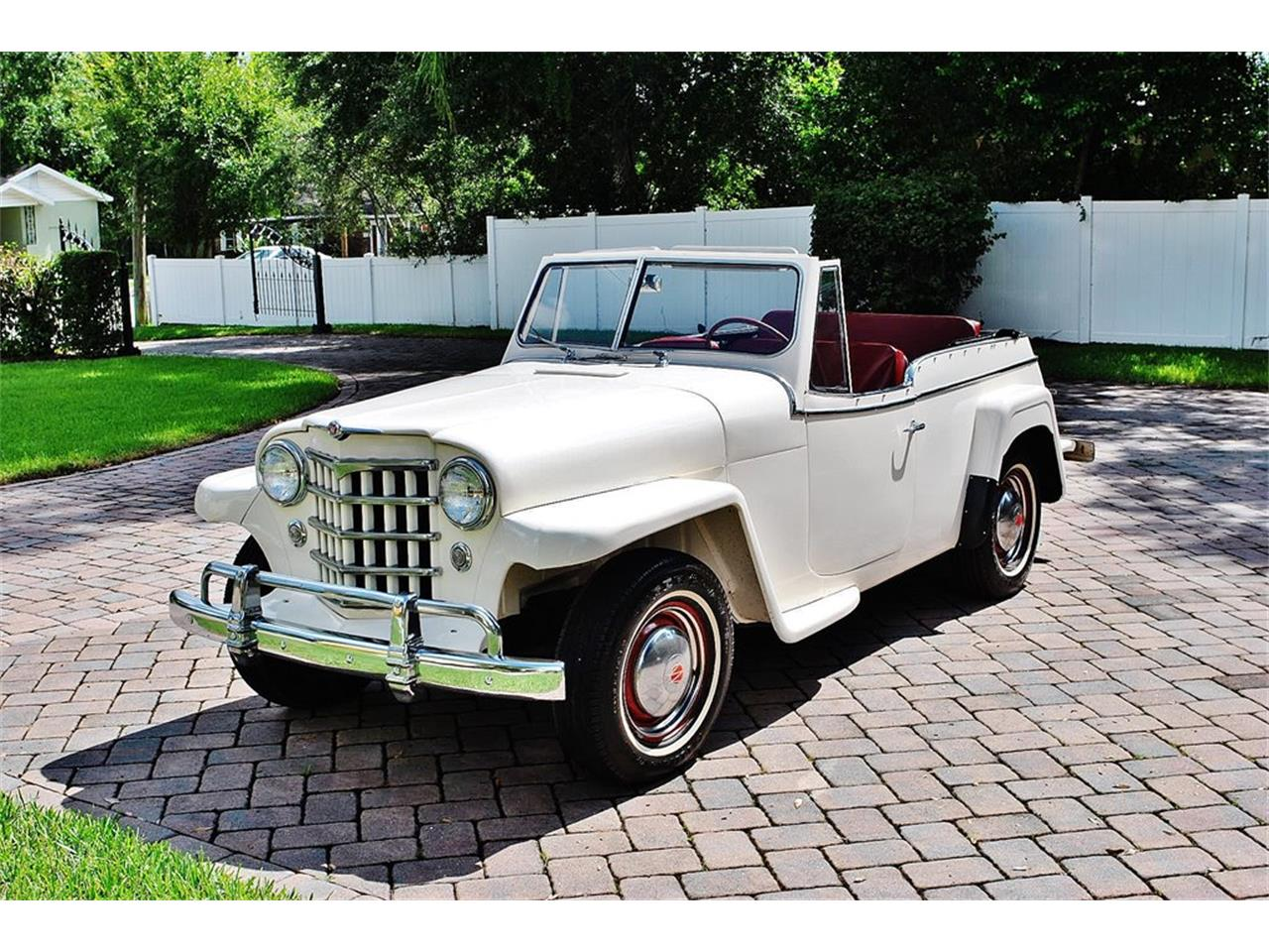 Large Picture of Classic '50 Jeepster located in Lakeland Florida - O7F5