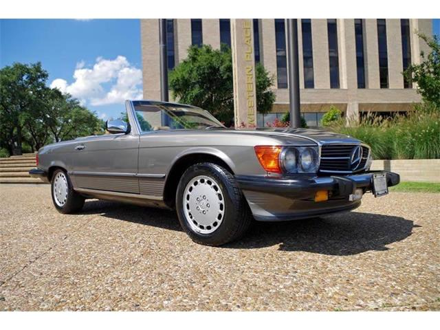 Picture of 1988 Mercedes-Benz 560 located in Fort Worth Texas - O8V8